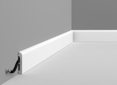 Multi Mould 8 as Skirting - DX183